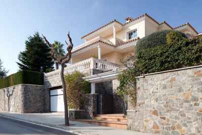 Big house with swimming pool, garden and BBQ area in Maresme Coast